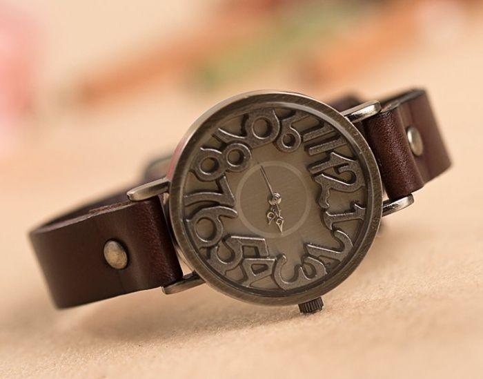 Моднии женские наручние часы Vintage